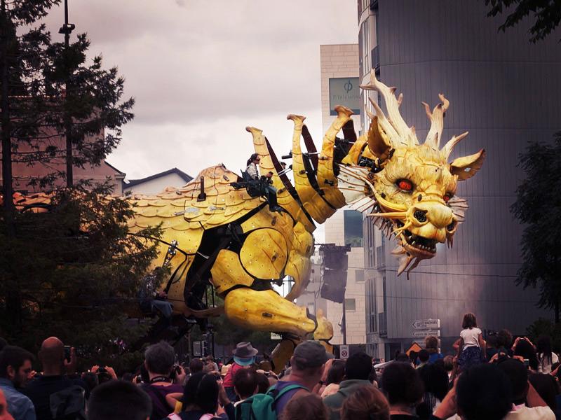 Long Ma cheval-dragon construit par La Machine à Nantes