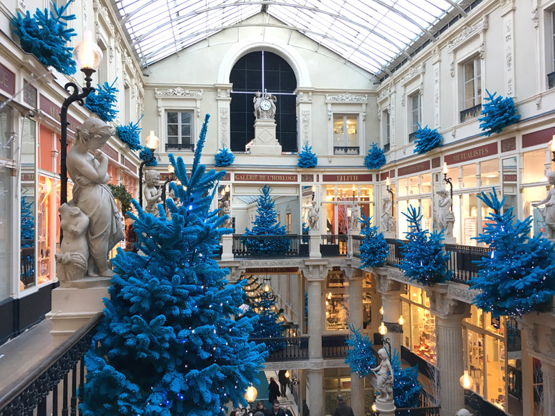 Le Passage Pommeraye à Nantes décoré pour Noël