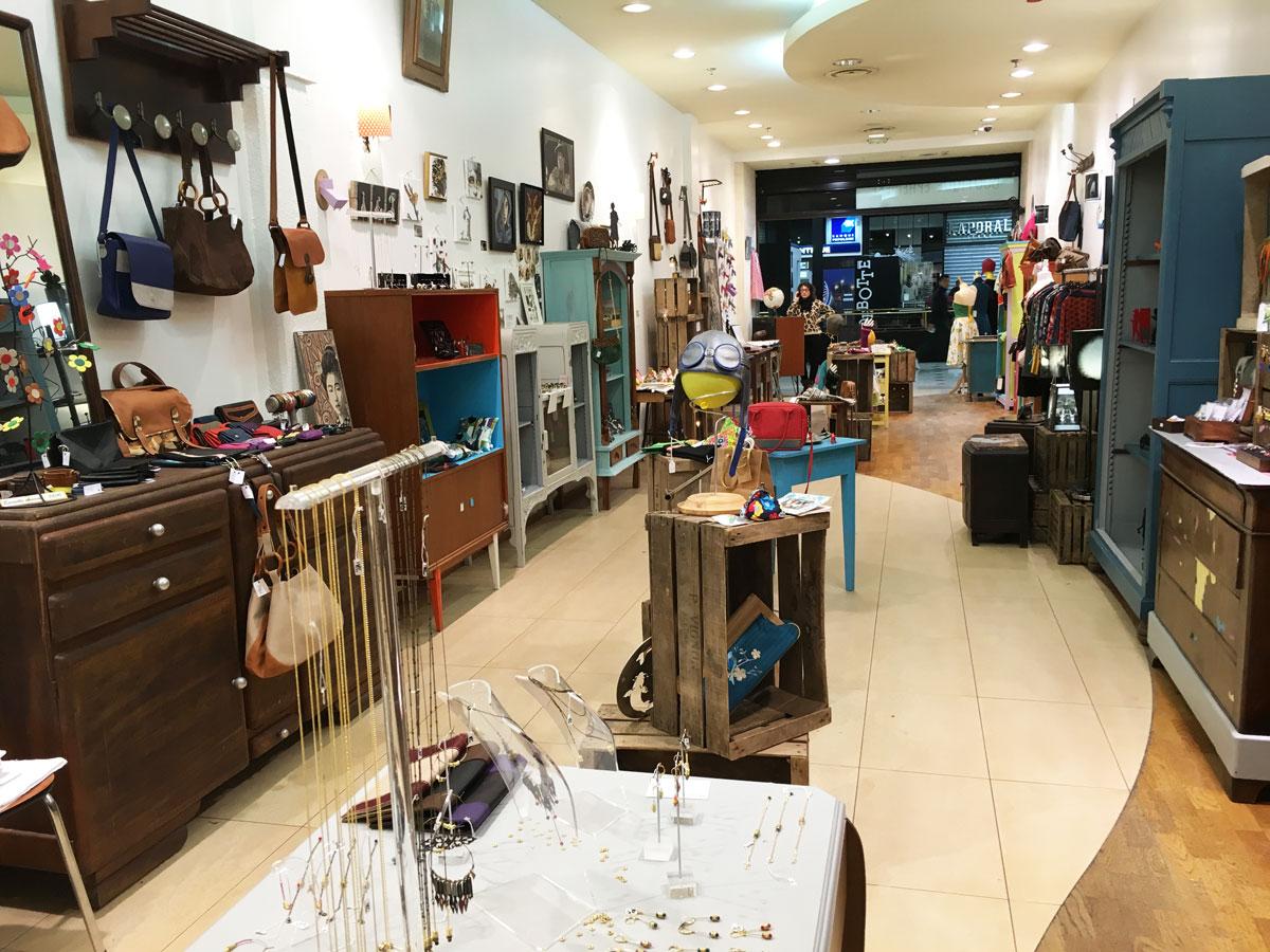 la boutique de cr ateurs du centre commercial beaulieu nantes. Black Bedroom Furniture Sets. Home Design Ideas