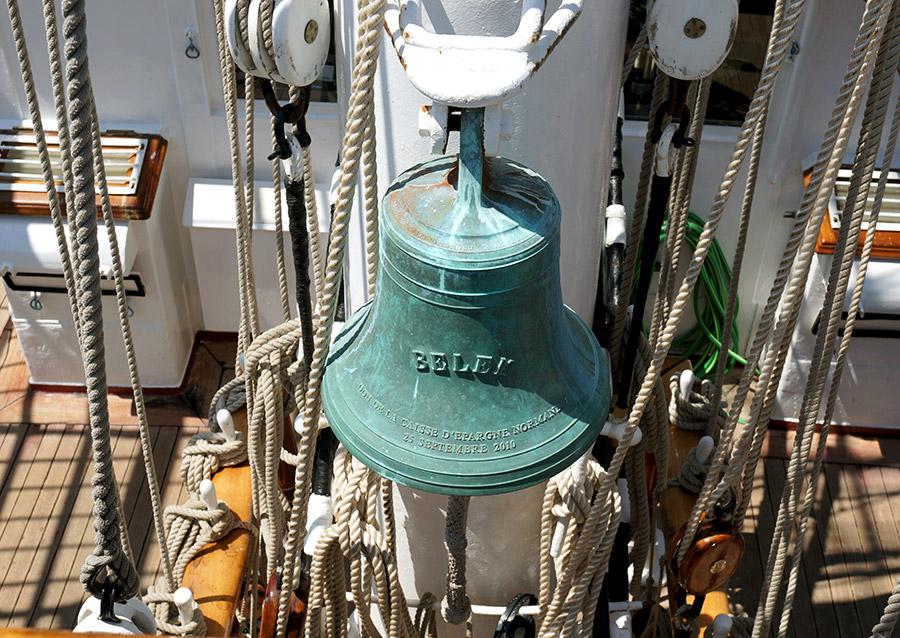 La cloche du Belem, bateau nantais à visiter
