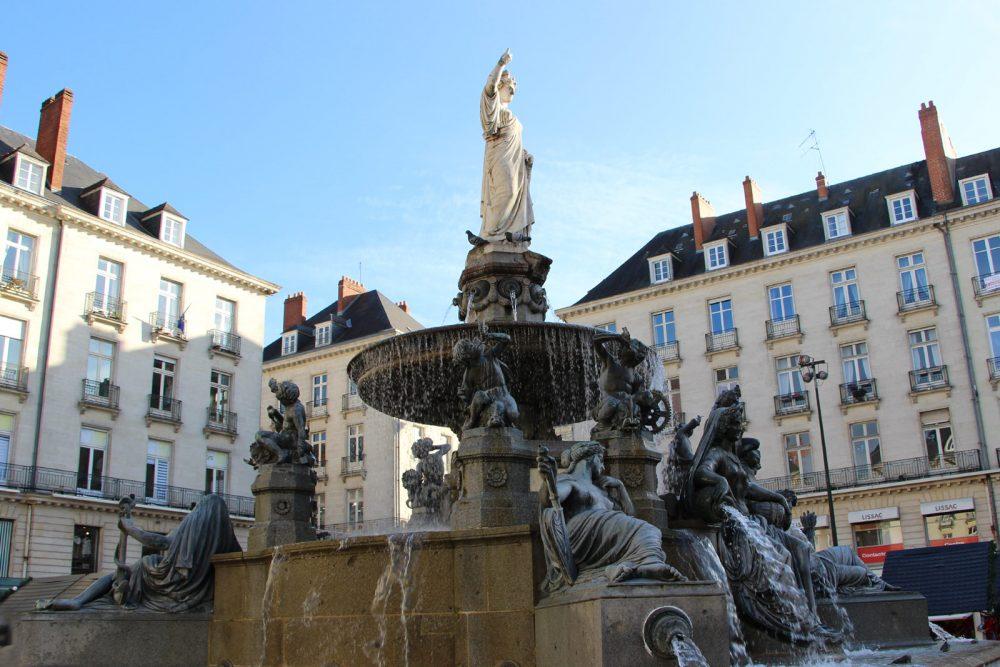 La place Royale à Nantes avec sa fontaine magnifique